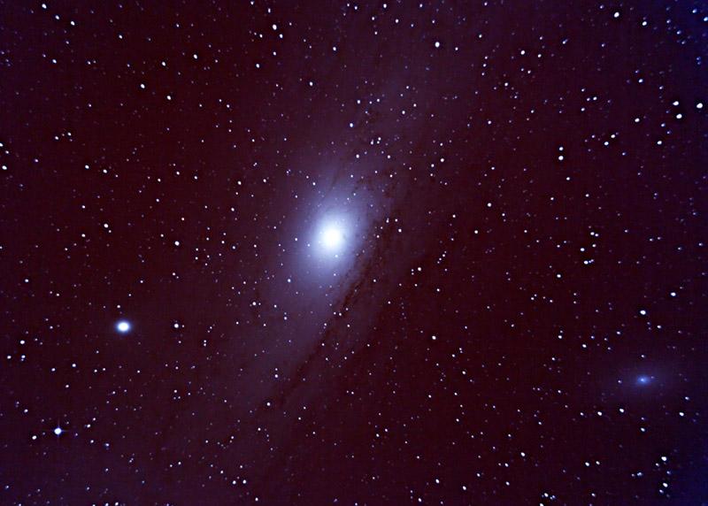andromeda galaxy through telescope - 800×572